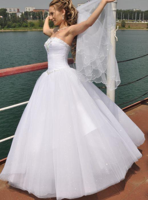 Продам свадебное платье и фату! в разделе Личные вещи в Иркутске